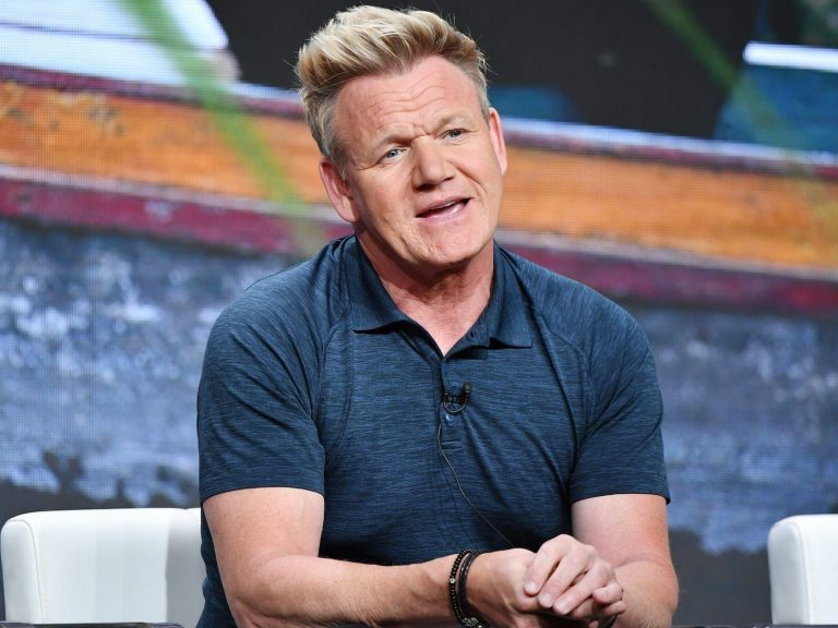 A diner at one of Gordon Ramsay's restaurants complained after paying $41 for a burger and fries, but people think they're overreacting