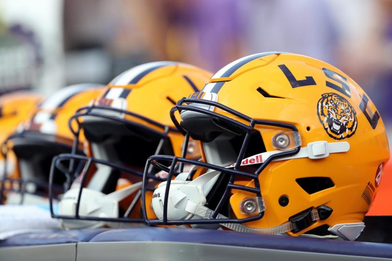 Tigers get commitment from Arch Manning's top receiver, AJ Johnson