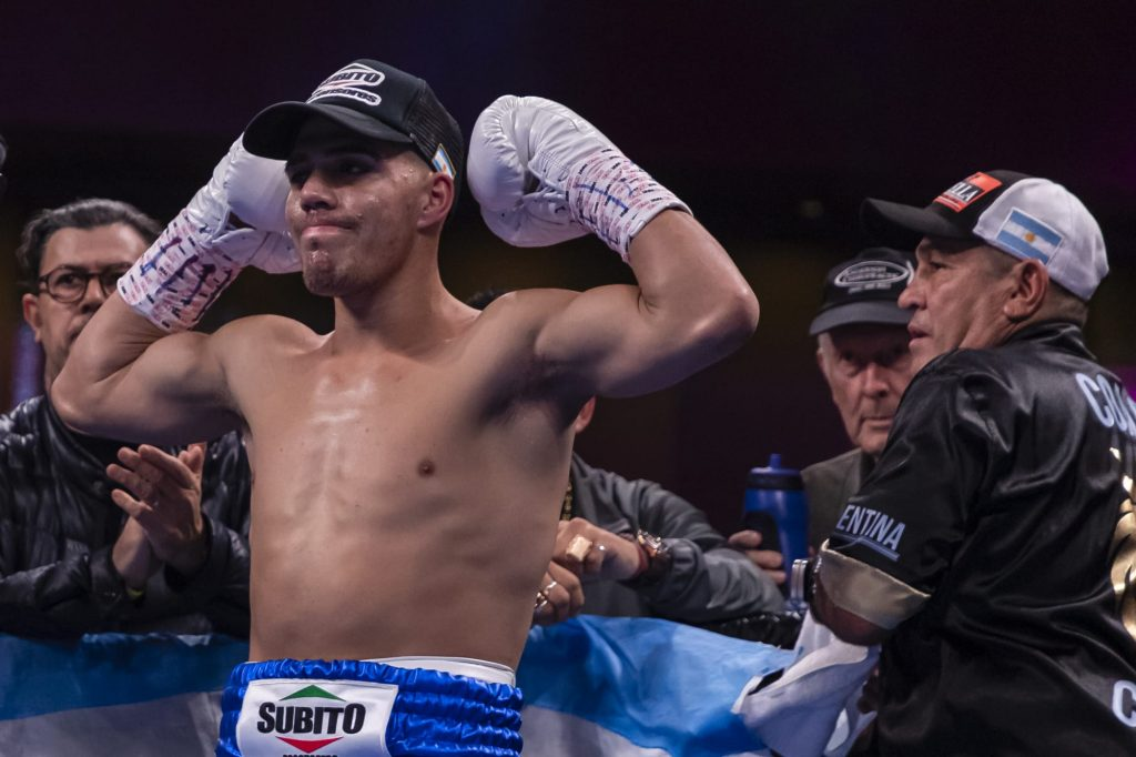 Brian Carlos Castano defeats Patrick Teixeira to become new WBO champion