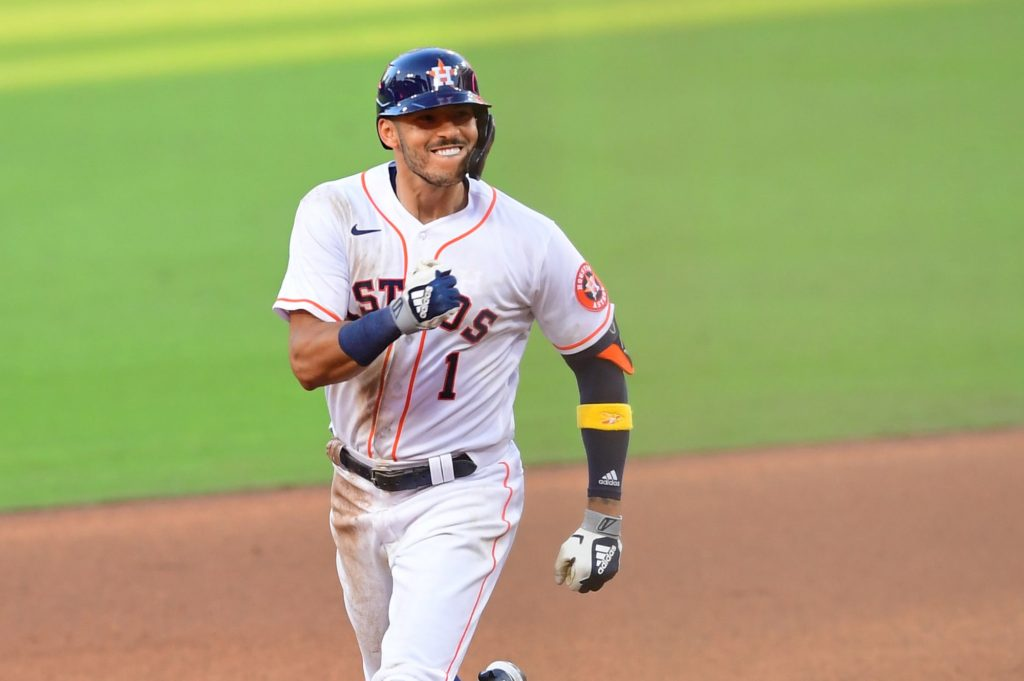 Astros taking right step in relationship with Carlos Correa