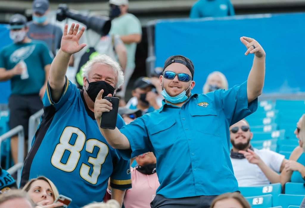 Jaguars returning to classic teal home uniforms (Video)