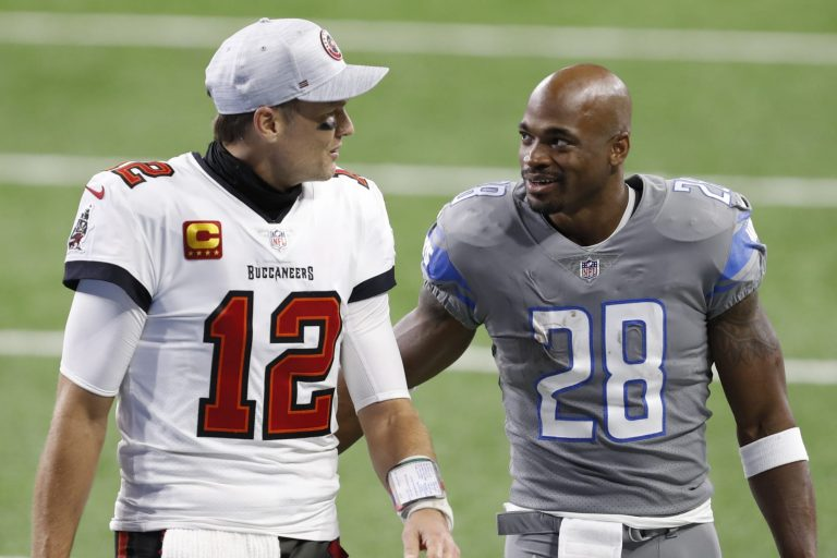 Adrian Peterson wants to play with Tom Brady if Buccaneers will have him