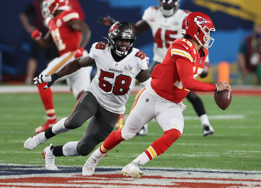 Shaquil Barrett puts Chiefs 'scrub' Andrew Wylie in his place after SB55