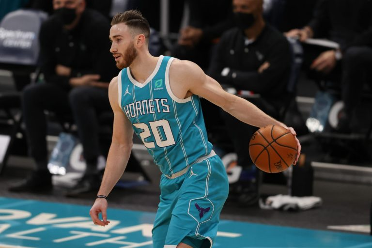 Hornets' Gordon Hayward re-aggravates hand injury