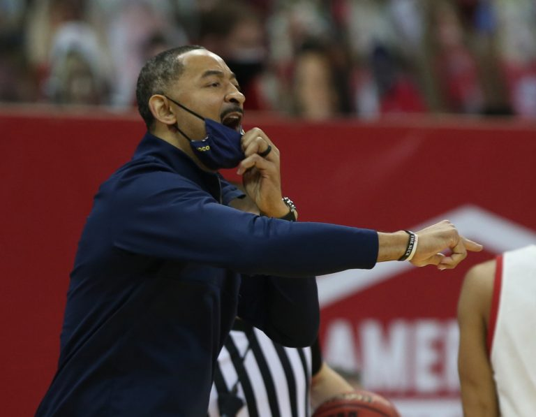 Will Juwan Howard bolt for NBA head coaching jobs?