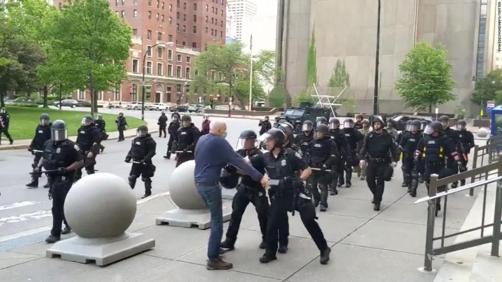 Buffalo police officers who pushed 75-year-old protester Martin Gugino not indicted