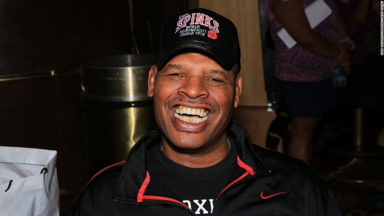 Leon Spinks, boxing legend who beat Muhammad Ali, dead at 67