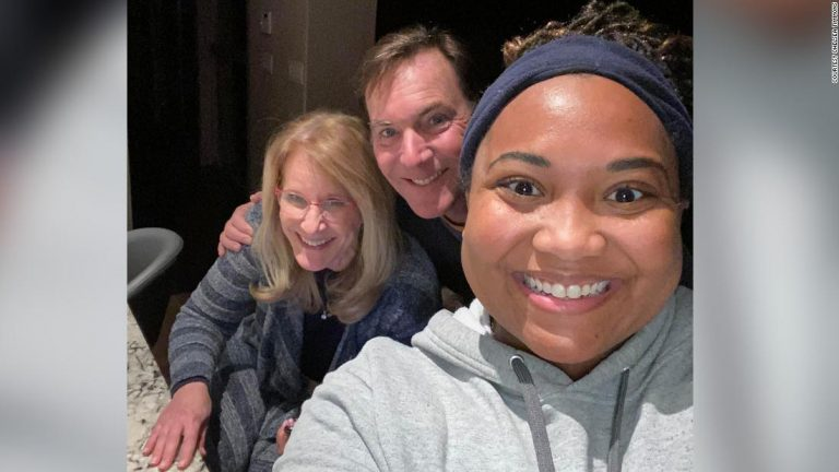 Chelsea Timmons made her last grocery delivery during the Texas storm and says she felt lucky to have landed with this Austin couple.