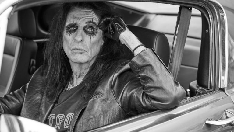 Alice Cooper, With '70s Band Members in Tow, Tells 'Detroit Stories'