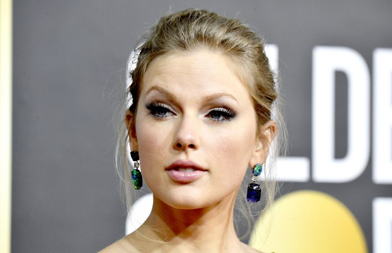 BEVERLY HILLS, CALIFORNIA - JANUARY 05: Taylor Swift attends the 77th Annual Golden Globe Awards at The Beverly Hilton Hotel on January 05, 2020 in Beverly Hills, California. (Photo by Frazer Harrison/Getty Images)