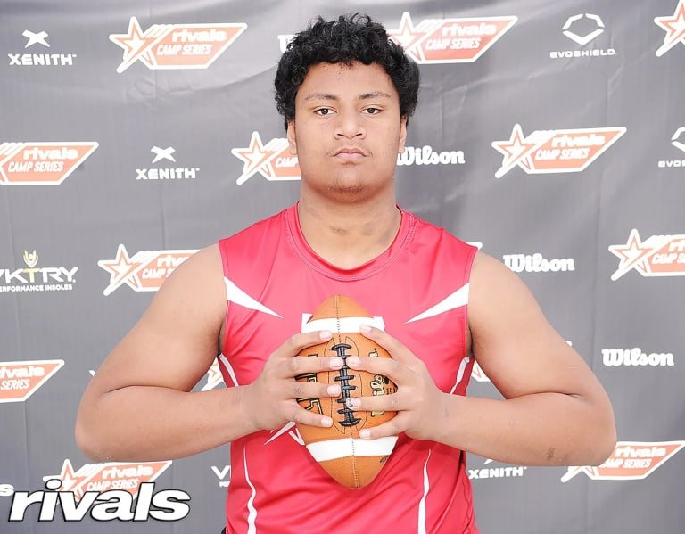 Group of schools coming hardest at 2023 DL Francis Mauigoa