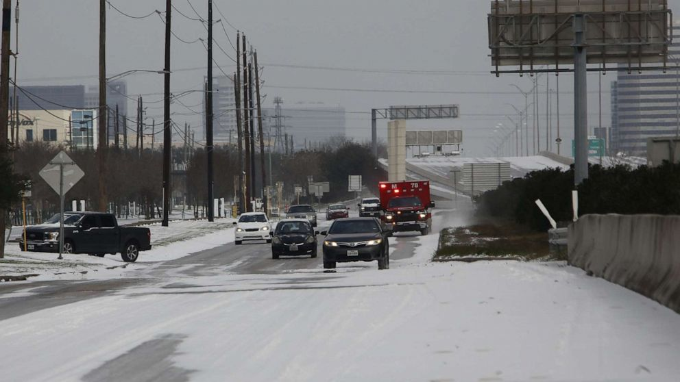 'Mattress Mack' opens stores for Houstonians amid dangerous winter storm: 'We're here for them'