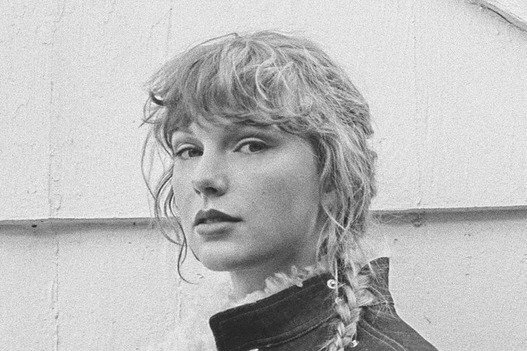 "Taylor Swift jumps to Number One on the Artists 500 after releasing ""Love Story (Taylor's Version)"""