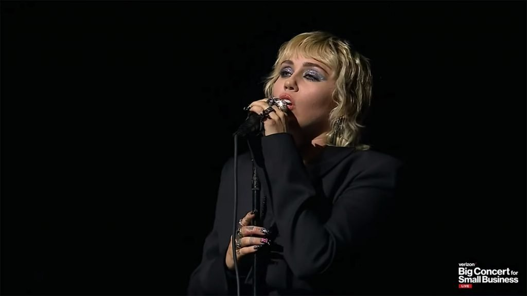 Miley Cyrus and More Perform at Verizon Big Concert for Small Business