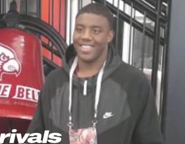 Sophomore DE Micah Carter emerging in Louisville