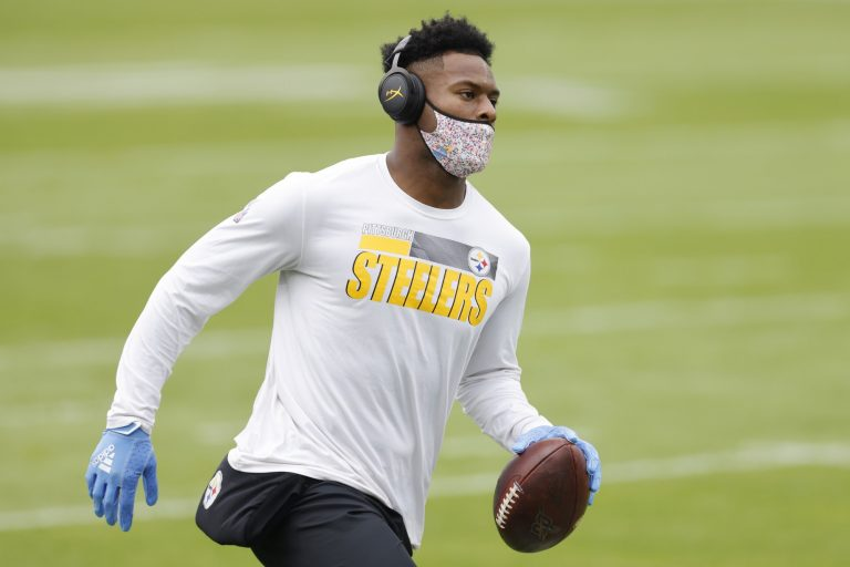 JuJu Smith-Schuster gives most vocal opposition yet to re-signing in Pittsburgh