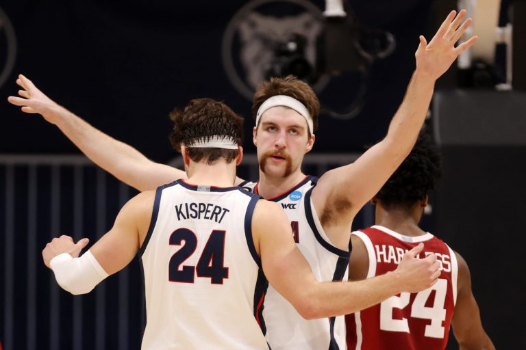Historic upsets, Big Ten flops and the 10 biggest takeaways of the NCAA Tournament's first 2 rounds