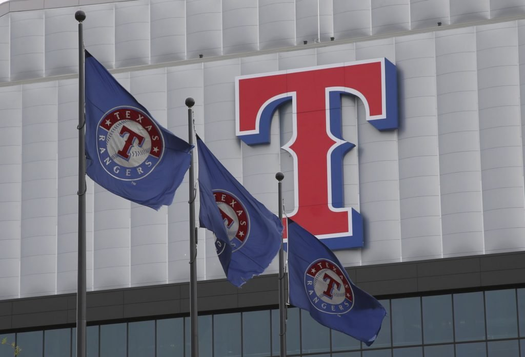 Texas Rangers prospect Bayron Lora injured in fatal car accident