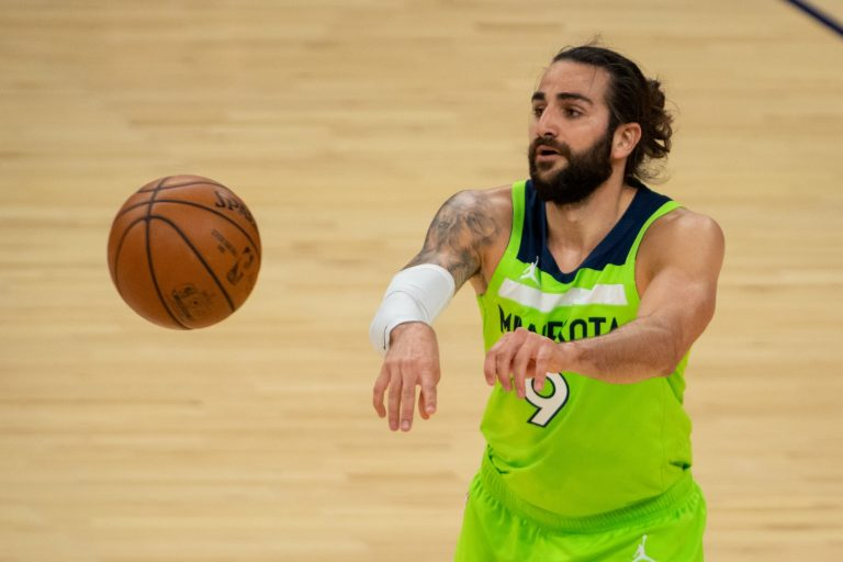 Clippers eyeing George Hill, Ricky Rubio