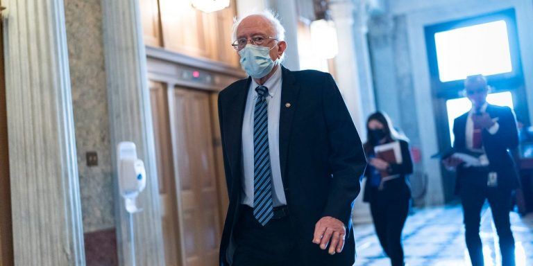 Democrats Look at Lowering Medicare Eligibility Age in Healthcare Package