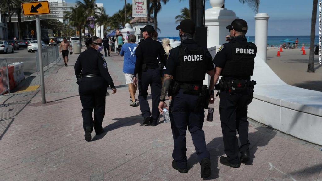 Spring break 2021: 100 arrested as crowds hit Miami Beach despite the pandemic