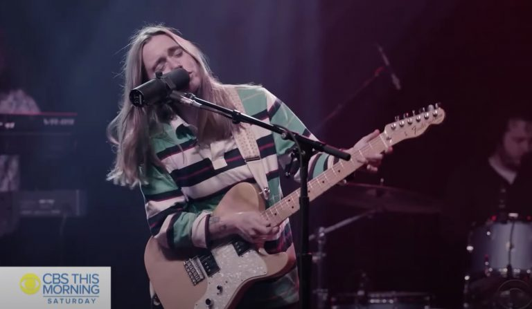See Julien Baker Play 'Little Oblivions' Songs on 'CBS This Morning'