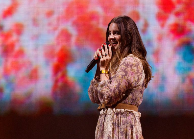 Lana Del Rey Teases New Album 'Rock Candy Sweet'