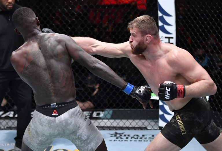 Jan Blachowicz retains, ends Israel Adesanya's unbeaten run