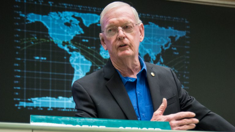 Glynn Lunney, NASA Flight Director During Apollo 13, Dies At 84 : NPR