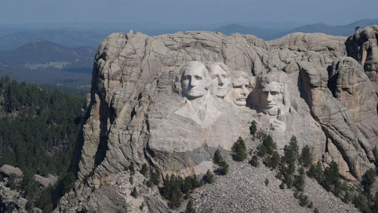 Wildfires force evacuations, shut down Mount Rushmore Memorial National Park
