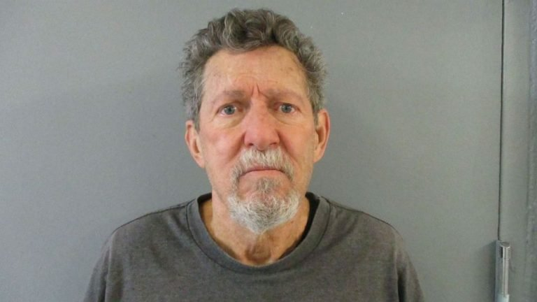 Colorado man arrested in 1982 cold case murders of 2 women, authorities say