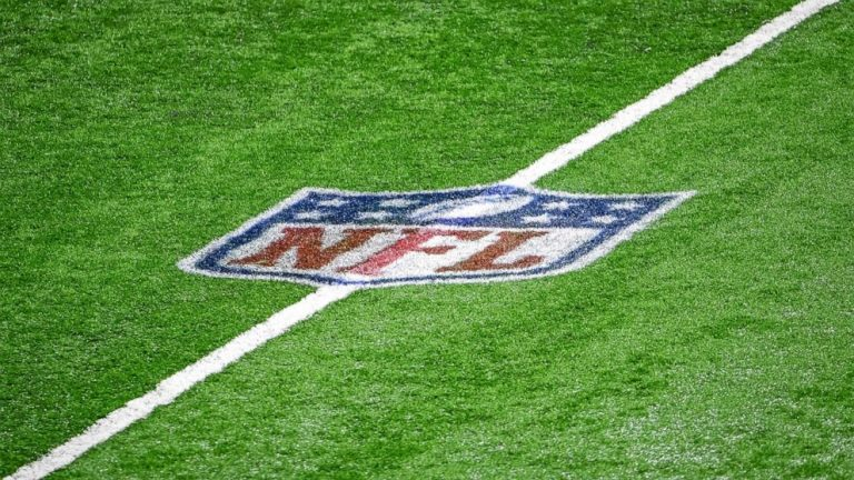 Former NFL players seek to intervene in race-norming mediation, citing mistrust of class counsel