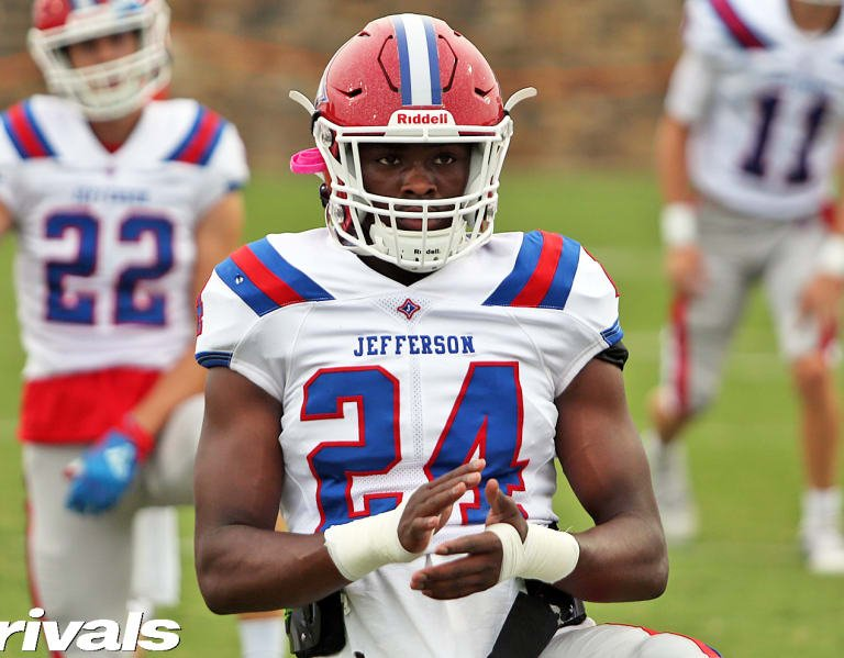 Top 100 ATH Malaki Starks sets commitment date
