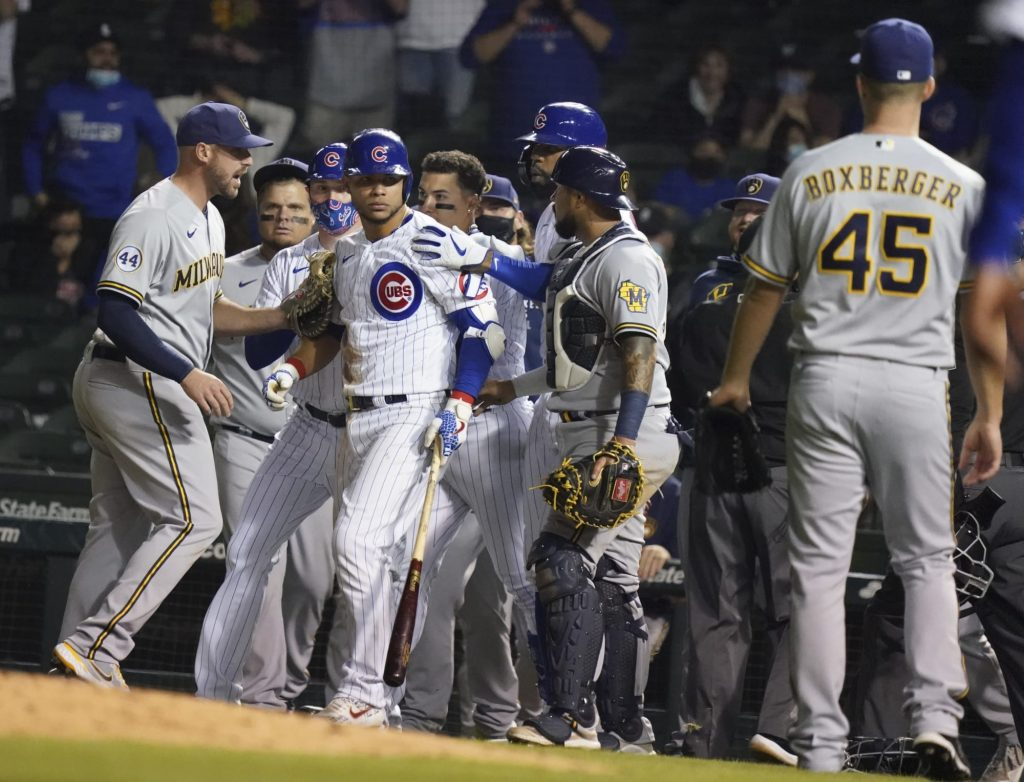David Ross calls out Brewers after Willson Contreras gets hit, again