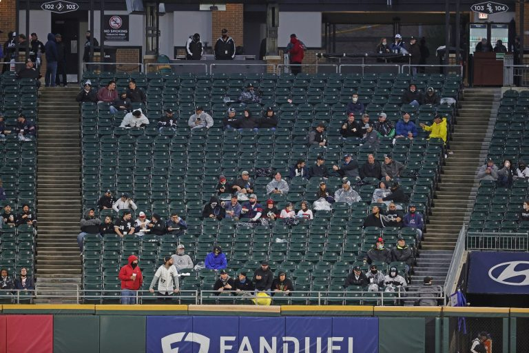 White Sox fan rushes field and very nearly escapes the outfield (Video)