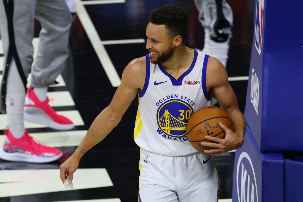 NBA plans a Marvel-themed broadcast for Warriors-Pelicans on May 3
