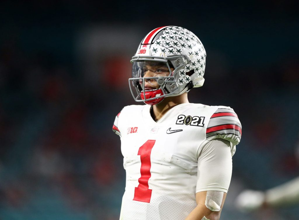 Wyatt Davis defends Justin Fields from laughable pre-draft narratives