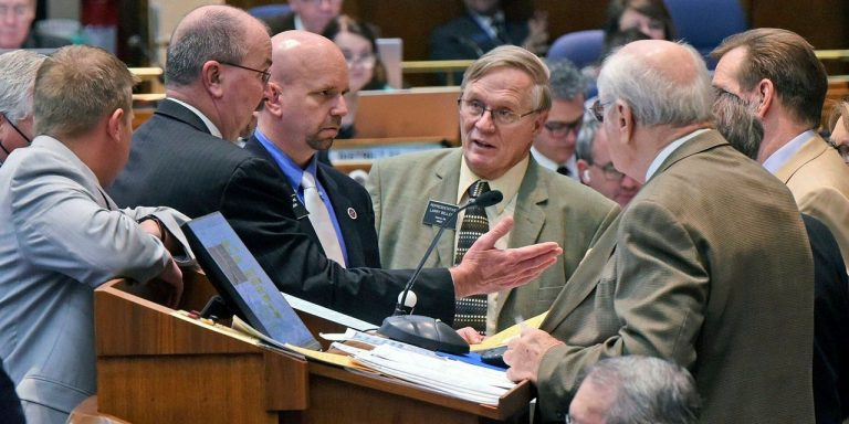 Covid-19 Mask Mandates Are Again at Center of Political Battles