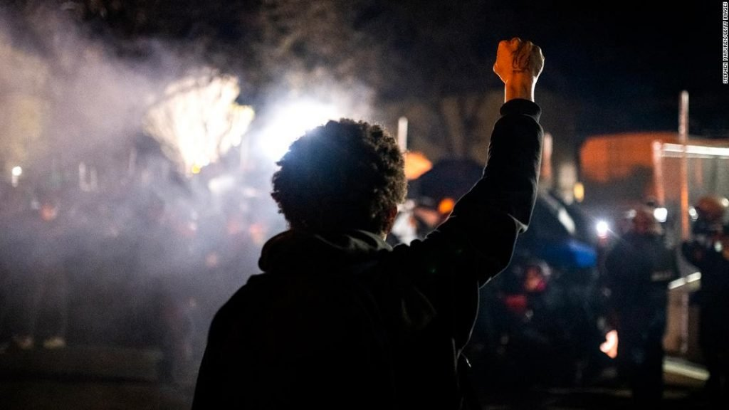 Minnesota protests continue for a sixth night as Wright's loved ones mourn for his son