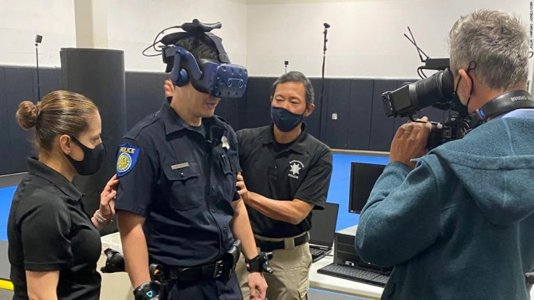 With virtual reality police training, Sacramento tries to 'get to a much better place'