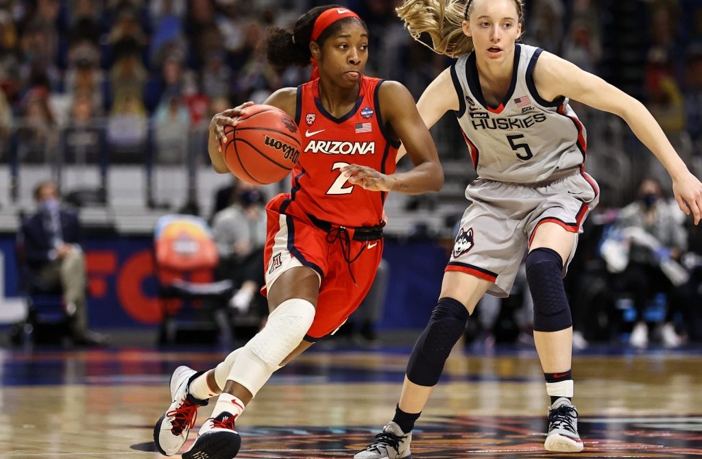 Wildcats put away UConn, Stanford escapes So. Carolina
