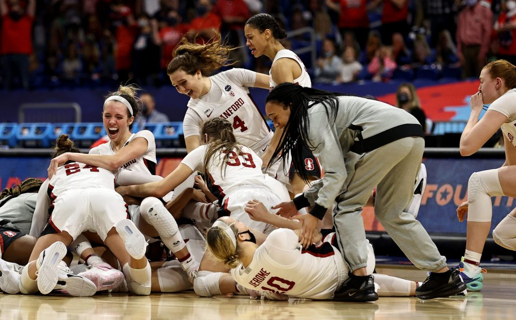 Stanford holds off Arizona to claim first national crown since 1992