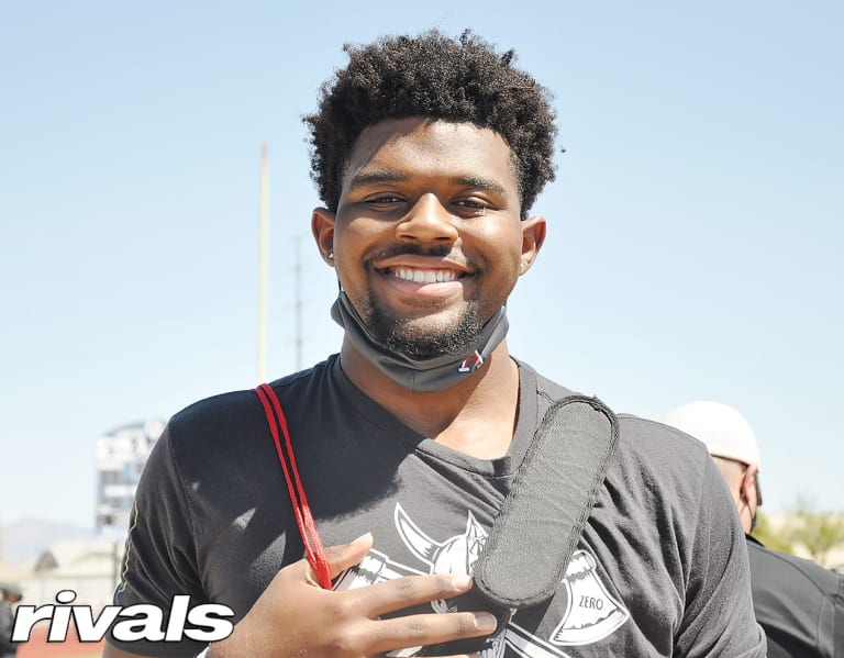 Pac-12 team stands out for OL Travis Gray