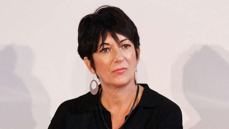 Ghislaine Maxwell claims jail guards seized her confidential documents