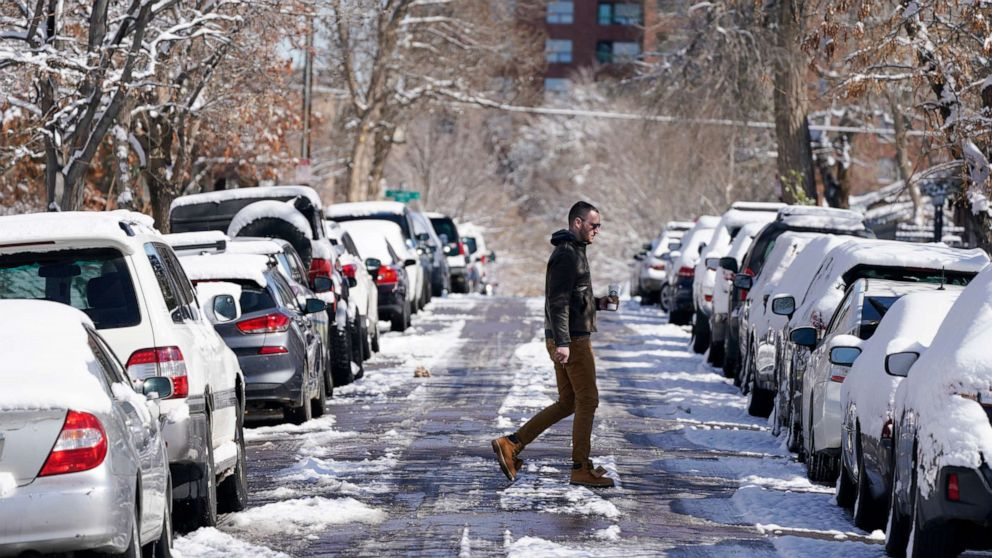 Record late-season snow, cold moving across US