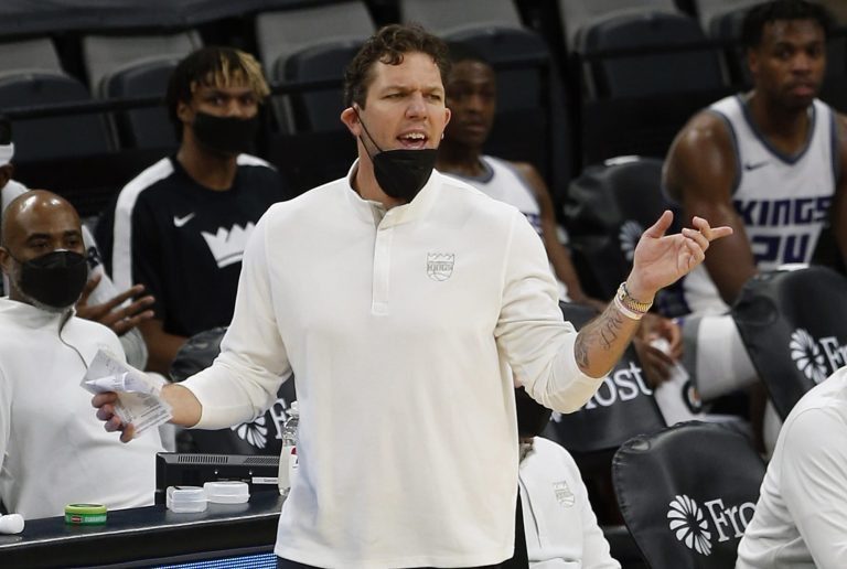 Warriors clearly got the best of Luke Walton, who is out of the playoffs