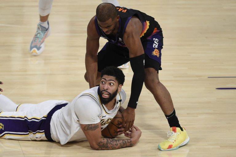 Lakers vs. Suns Game 1 live stream