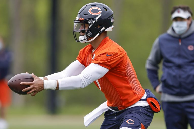 Bears will give Justin Fields a chance to unseat Andy Dalton before Week 1