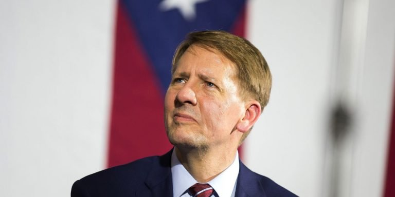 Richard Cordray to Head Student-Loan Agency