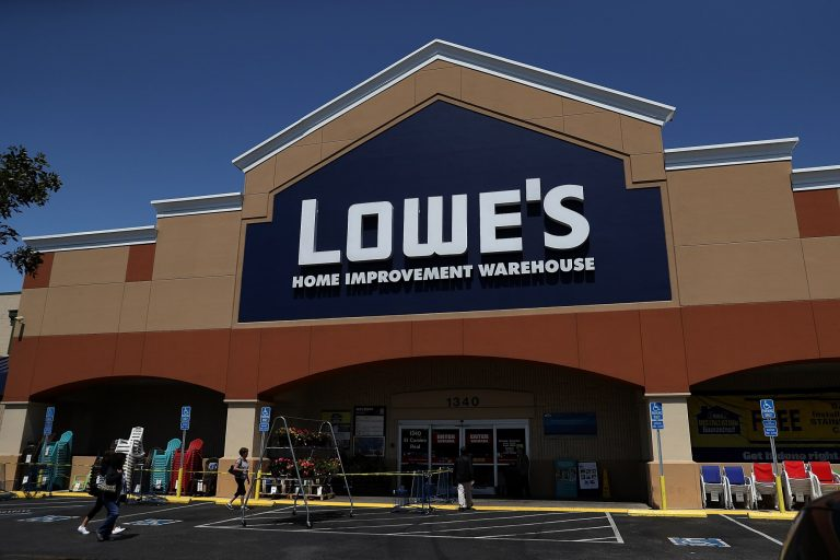 Lowe's Memorial Day sale 2021: Lowe's store hours today
